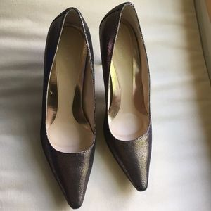 Calvin Klein Dolly pointed toe gold pump size 8.5
